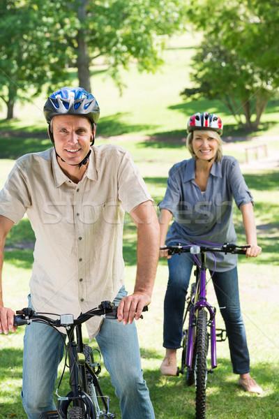 пару верховая езда парка портрет счастливым осуществлять Сток-фото © wavebreak_media