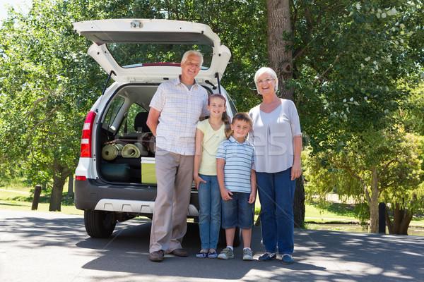Dziadkowie drogowego podróży wnuki rodziny Zdjęcia stock © wavebreak_media