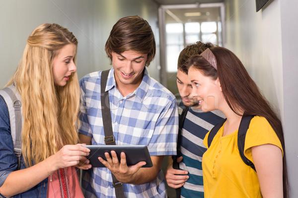 Сток-фото: студентов · цифровой · таблетка · колледжей · коридор · портрет