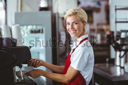 Fodrász mosolyog kamera fodrászat nő boldog Stock fotó © wavebreak_media