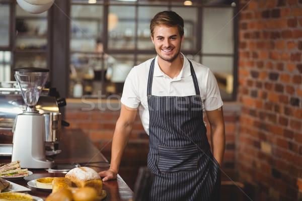 Yakışıklı garson gıda tablo portre Stok fotoğraf © wavebreak_media