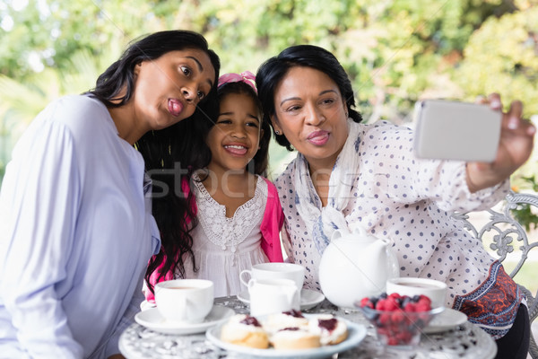 семьи сидят вместе завтрак таблице Сток-фото © wavebreak_media