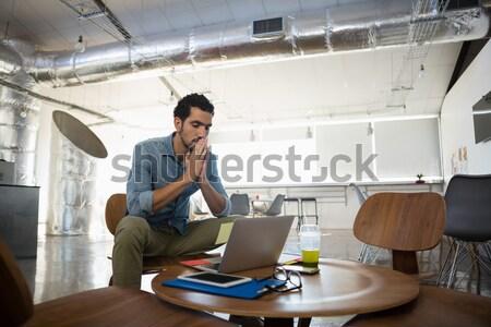 Retrato empresária sessão escritório cadeira mulher Foto stock © wavebreak_media