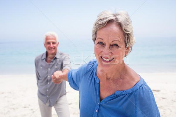 Stock fotó: Boldog · idős · pár · tart · kéz · tengerpart · napos · idő