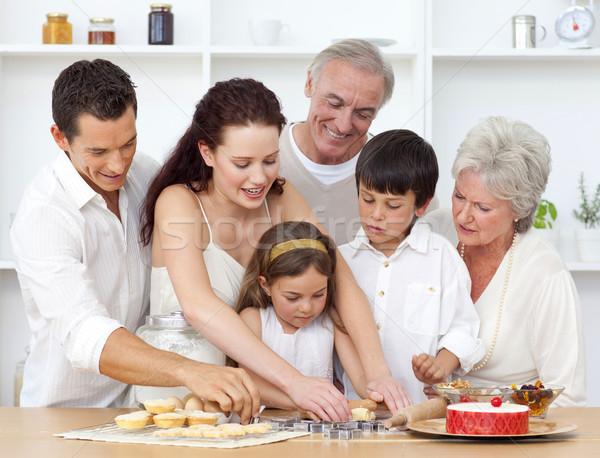 Pais avós crianças cozinha feliz Foto stock © wavebreak_media