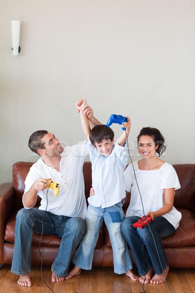 Liefhebbend familie spelen video games woonkamer vrouw Stockfoto © wavebreak_media
