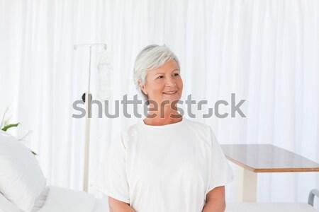 Boldog nő néz kamera kórház orvosi Stock fotó © wavebreak_media