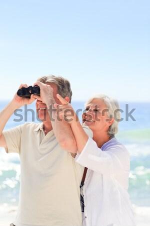 Coppia guardando cielo binocolo uomo estate Foto d'archivio © wavebreak_media