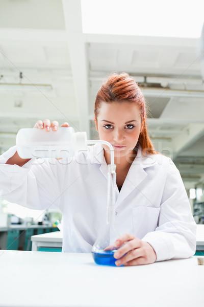 Portret cute nauki student eksperyment patrząc Zdjęcia stock © wavebreak_media