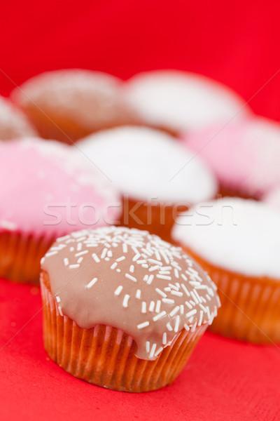 Muffins zucchero a velo rosso tovaglia mangiare bianco Foto d'archivio © wavebreak_media