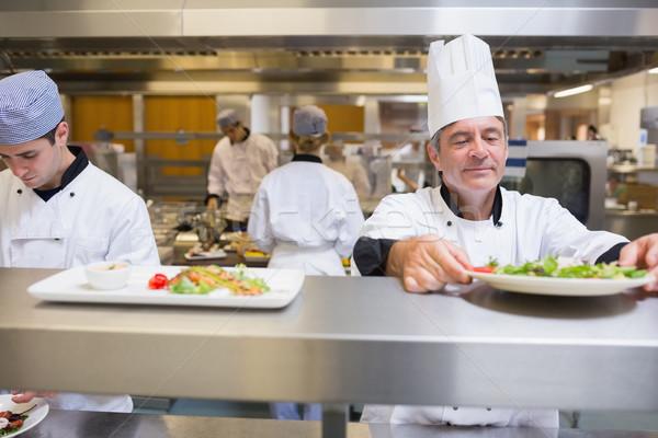 Cabeça chef salada cozinha serviço sorrir Foto stock © wavebreak_media