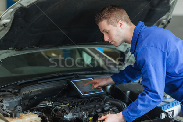 Mechaniker männlich Auto Motor Stock foto © wavebreak_media