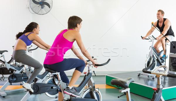 Pörgés osztály edz motivációs oktató tornaterem Stock fotó © wavebreak_media