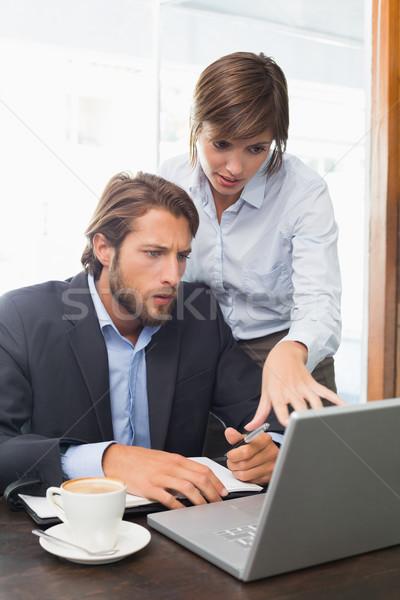 üzlet kollégák megbeszélés kávéház számítógép kávé Stock fotó © wavebreak_media