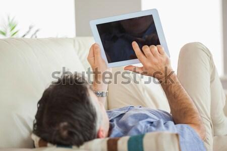Obraz tabletka kanapie Zdjęcia stock © wavebreak_media
