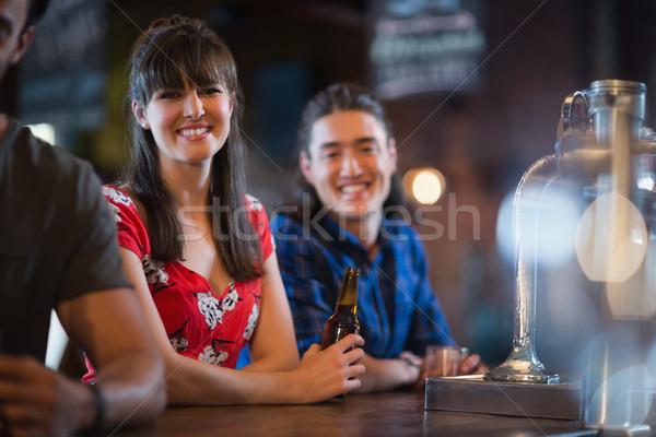 Portré mosolyog barátok dől pult bár Stock fotó © wavebreak_media