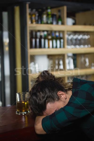 Férfi alszik bár pult részeg étterem Stock fotó © wavebreak_media
