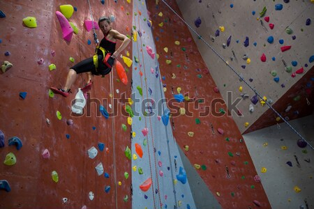 Atleta escalada parede clube masculino Foto stock © wavebreak_media