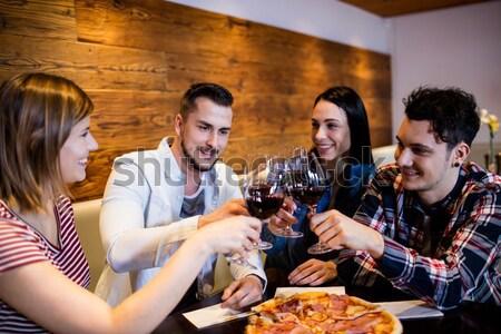 Csoport barátok üveg sör mexikói étel bár Stock fotó © wavebreak_media