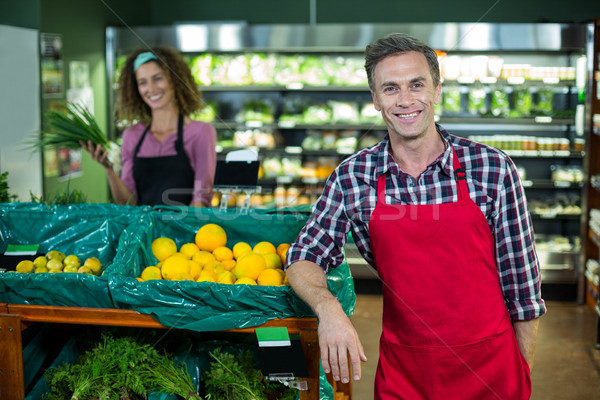 微笑 男 員工 常設 有機 商業照片 © wavebreak_media