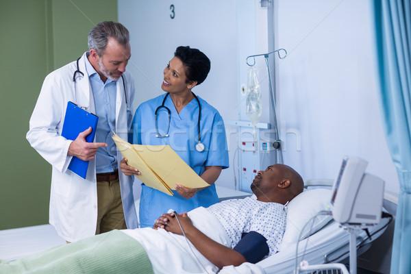 Doktor hemşire rapor ziyaret hastane Stok fotoğraf © wavebreak_media