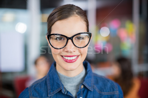 Portret uśmiechnięty kobiet wykonawczej okulary Zdjęcia stock © wavebreak_media