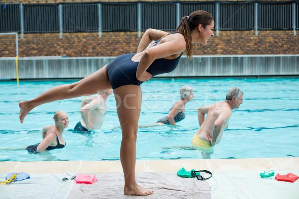 小さな 女性 トレーナー シニア 女性 水 ストックフォト © wavebreak_media