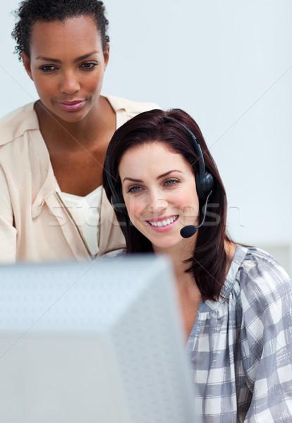 Menedzser alkalmazottak munka számítógép nő telefon Stock fotó © wavebreak_media