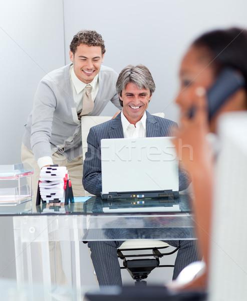 Zdjęcia stock: Zagęszczony · biznesmenów · pracy · komputera · biuro · kobieta
