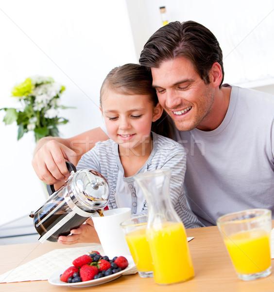 Alegre pai filha café da manhã juntos cozinha Foto stock © wavebreak_media