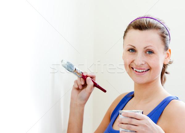 Foto stock: Sorrindo · quarto · casa · pintar · espaço · pintura