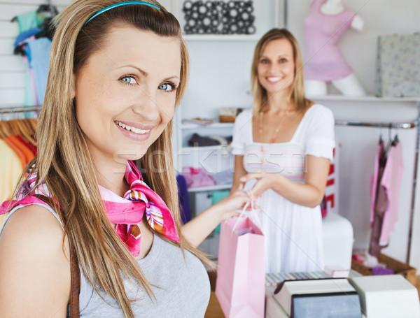 きれいな女性 ショッピングバッグ カメラ ショップ お金 ストックフォト © wavebreak_media