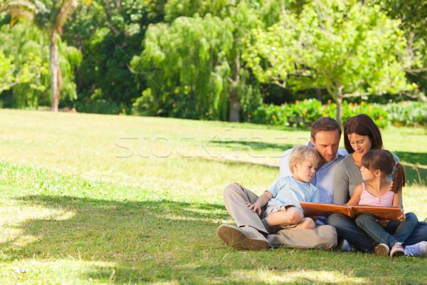 Familie naar park gelukkig kind Stockfoto © wavebreak_media
