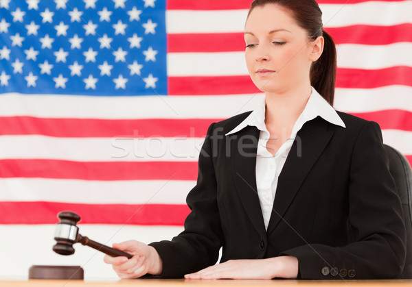 Ciddi genç yargıç tokmak amerikan bayrağı el Stok fotoğraf © wavebreak_media