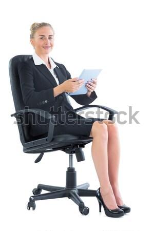 Portrait sérieux femme d'affaires séance fauteuil blanche Photo stock © wavebreak_media