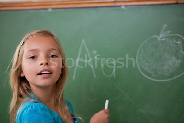 Stock foto: Jungen · Schülerin · Lernen · Alphabet · Tafel · Schule