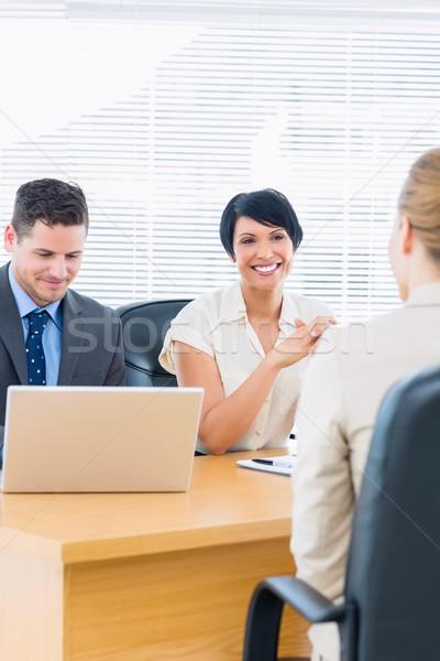 Stok fotoğraf: Aday · ofis · bilgisayar · kadın · toplantı