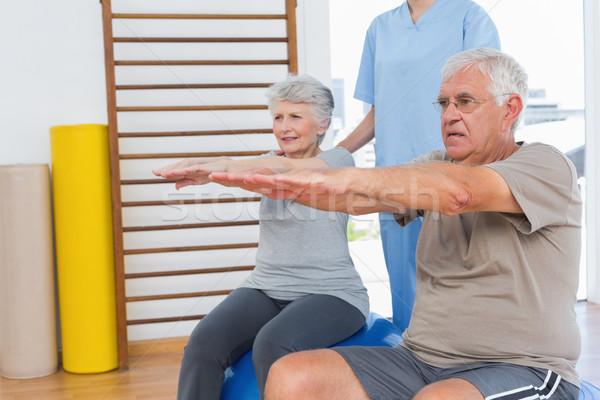 Terapeuta starszy para kobiet medycznych biuro ciało Zdjęcia stock © wavebreak_media