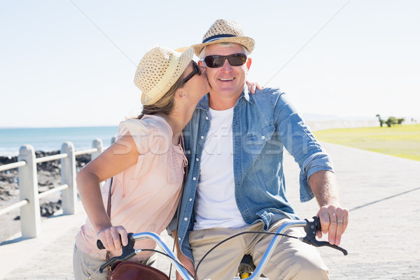 Feliz casual casal bicicleta pier Foto stock © wavebreak_media