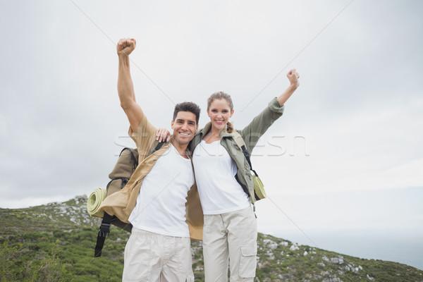 Wandelen paar handen berg terrein Stockfoto © wavebreak_media