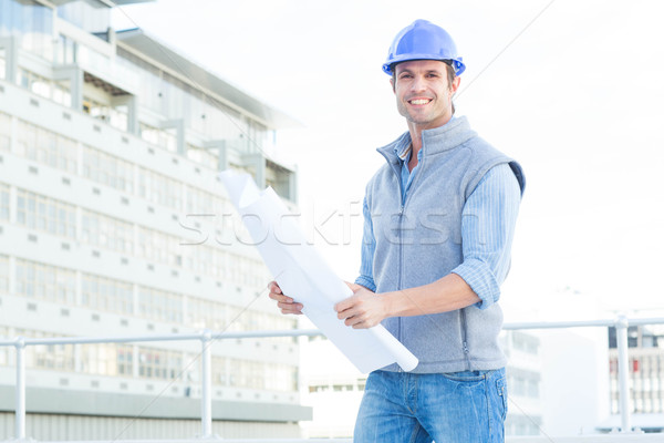 Feliz masculina arquitecto plan retrato Foto stock © wavebreak_media