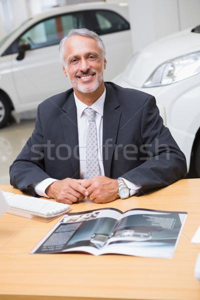 Heureux affaires travail bureau nouvelle voiture salle d'exposition Photo stock © wavebreak_media