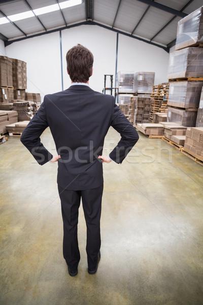 Magazijn manager permanente handen heupen man Stockfoto © wavebreak_media