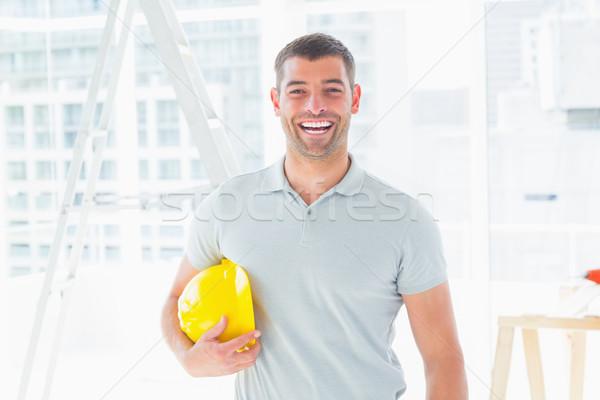 Alegre manitas casco de seguridad retrato Foto stock © wavebreak_media