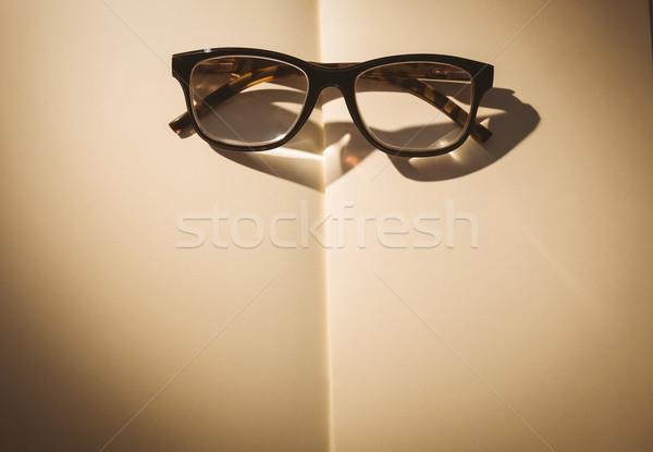 пусто блокнот очки для чтения столе Сток-фото © wavebreak_media