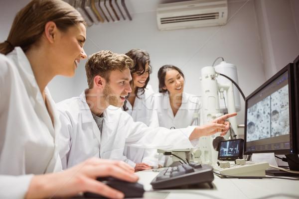 科学 学生 見える 微視的 画像 ストックフォト © wavebreak_media