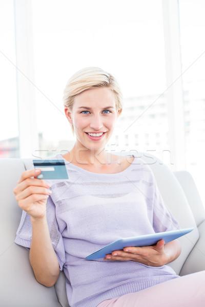 Güzel sarışın kadın online alışveriş oturma odası ev portre Stok fotoğraf © wavebreak_media