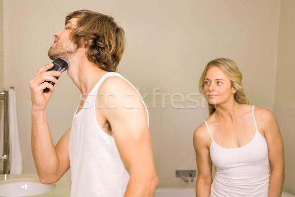 Knappe man scheren vriendin achter home liefde Stockfoto © wavebreak_media