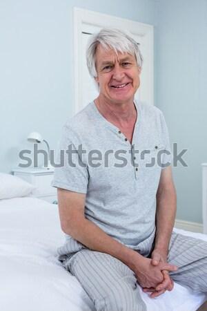 Retrato sorridente aposentados mulher olhando Foto stock © wavebreak_media