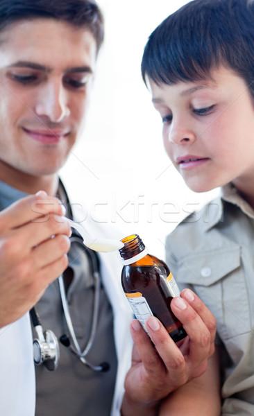 Arts geneeskunde weinig jongen witte Stockfoto © wavebreak_media